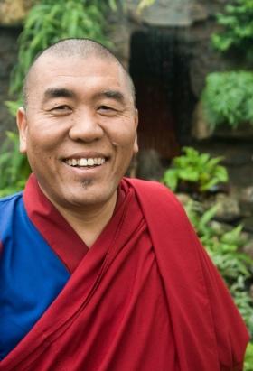 latri_nyima_dakpa_rinpoche